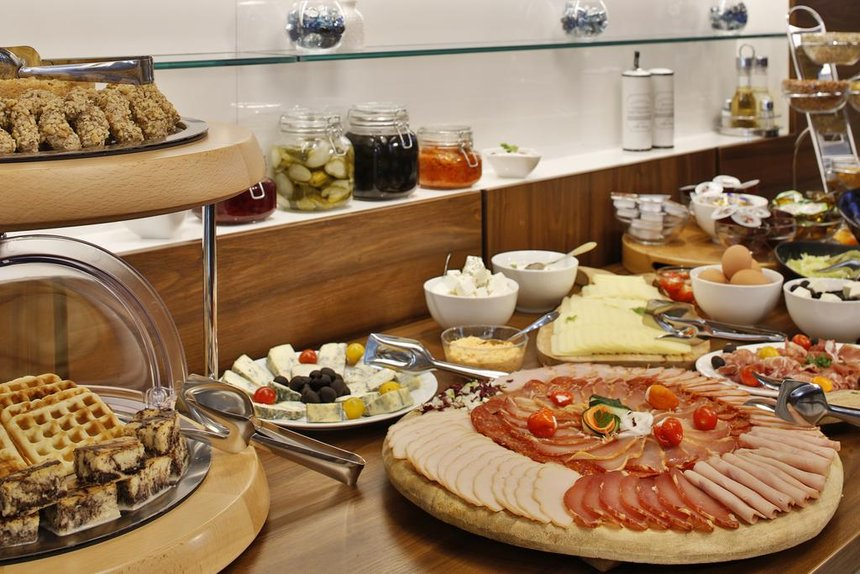 Best hotels in Belgrade breakfast
