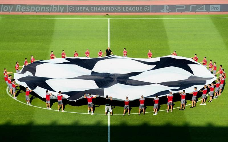 Crvena Zvezda - Napoli 02
