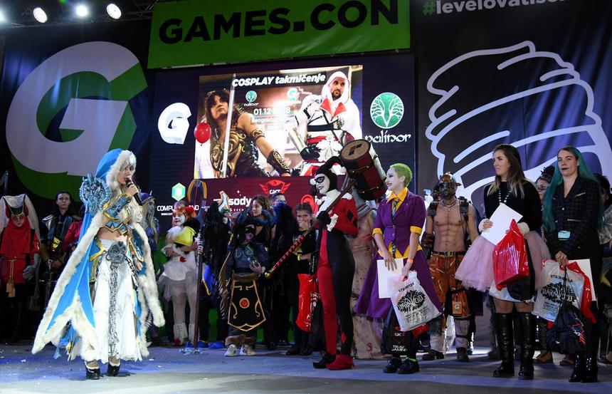 games.com kostimi